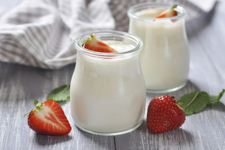 [30 phút] Bí quyết để mẹ làm sữa chua (yaourt) thơm ngon, sánh mịn tại nhà